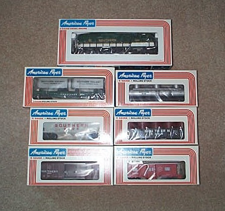 American Flyer 8458 Southern Freight Heritage Set Three. Mint Condition.