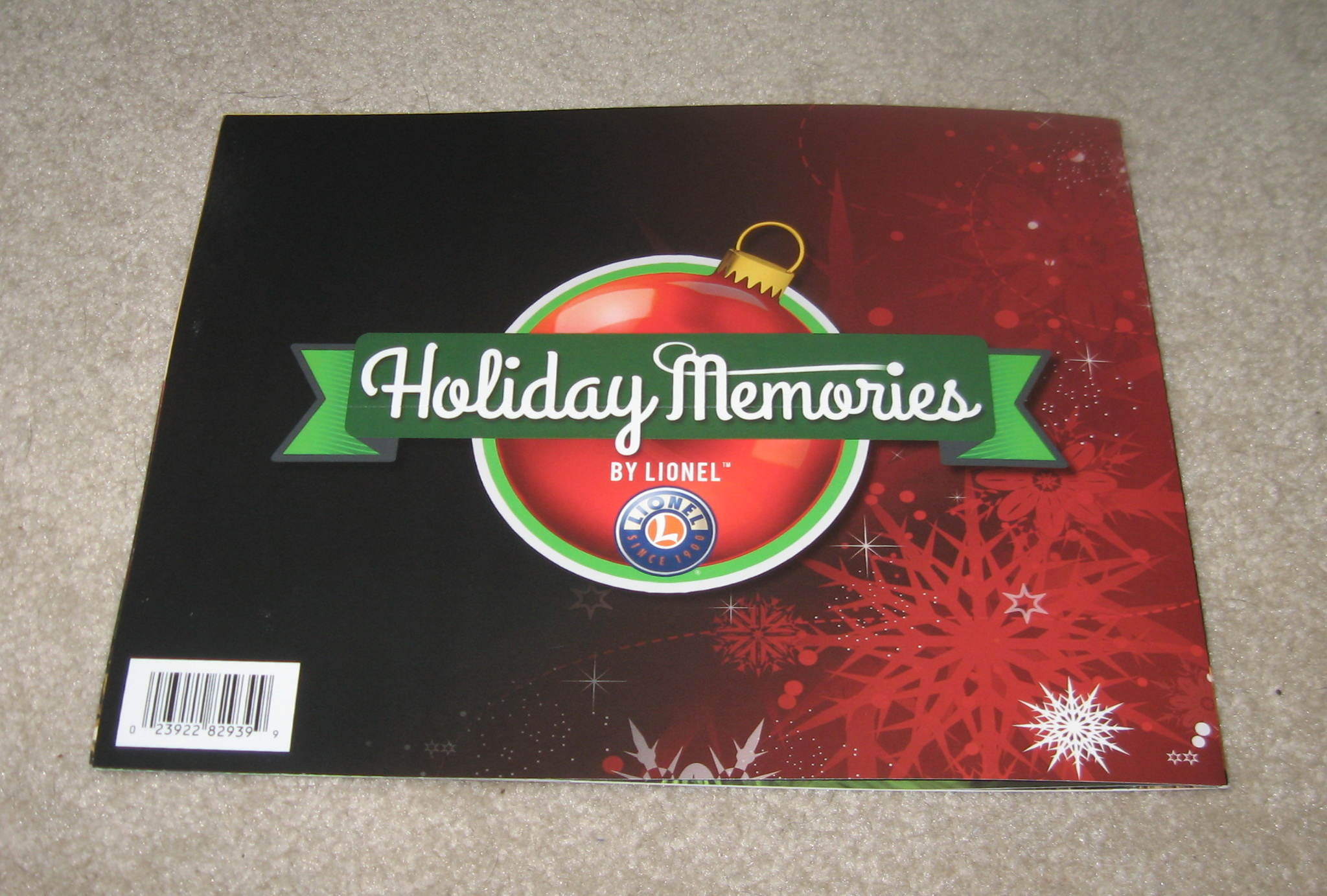 2015 Lionel Trains Holiday Memories Catalog. Mint Condition.