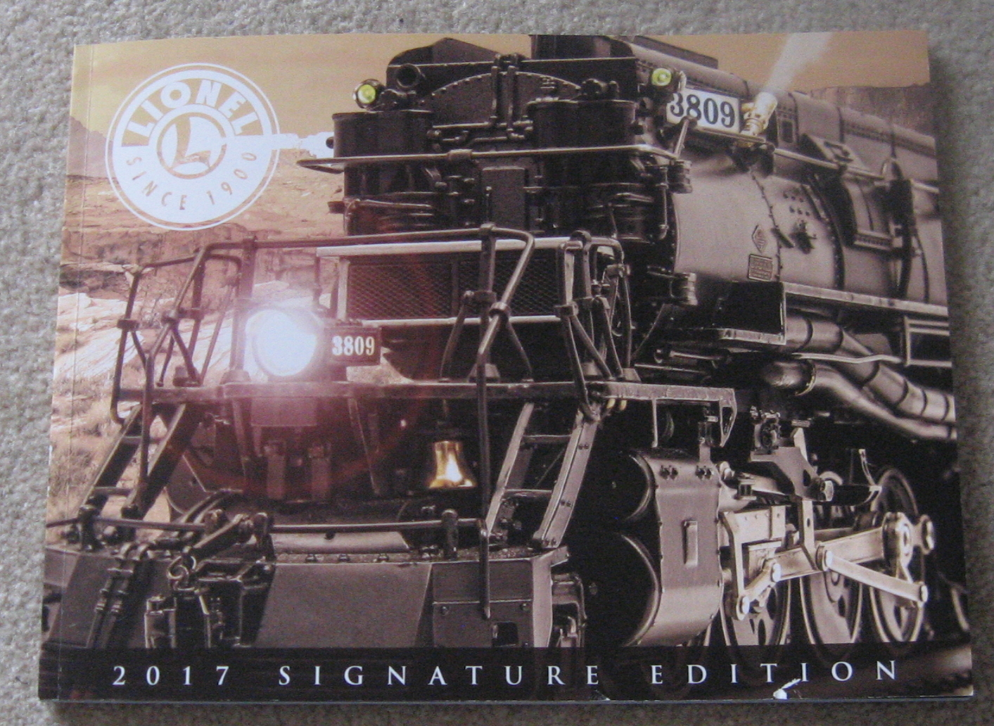 2017 Lionel Trains Signature Catalog. Mint Condition.